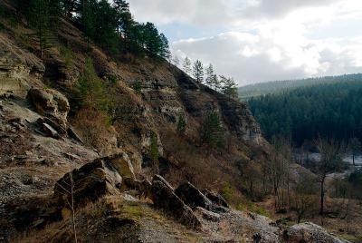 Скалы в долине Йонасталь. Возможно, именно здесь находится вход в секретный бункер?